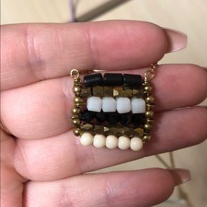 Jewelry - black & white necklace with gold chain